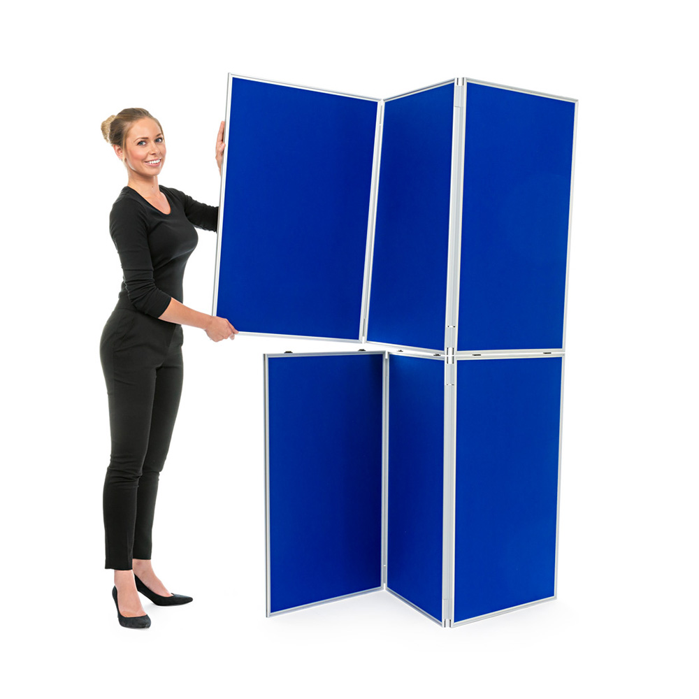 Clip Hinged Panels Together to Stack Display Boards